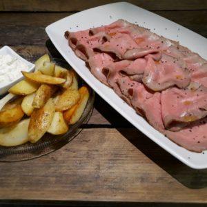 Roast-beef con salsa tartare e patate